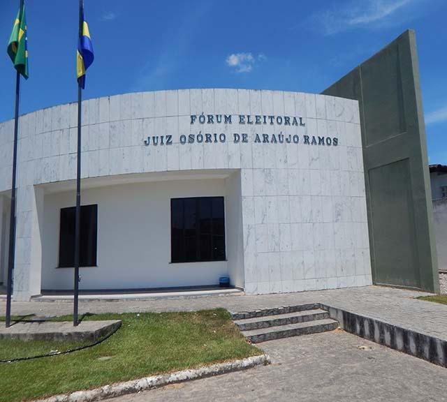 Fórum Eleitoral de Lagarto está situado na rodovia Antônio Martins de Menezes, próximo ao Balneário Bica