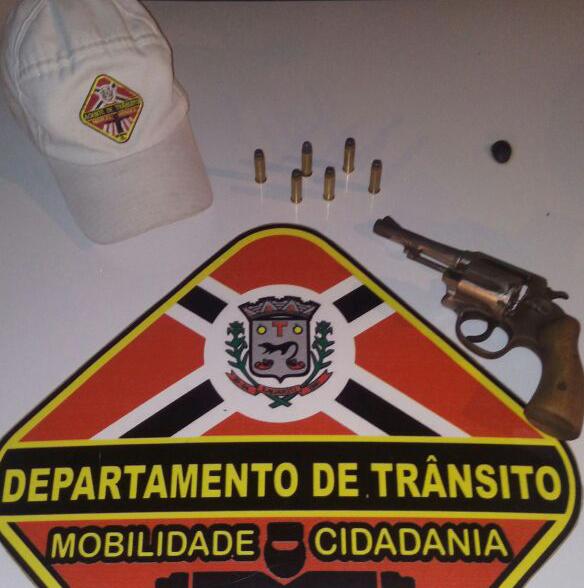 Arma apreendida (Fotos: DTTU)