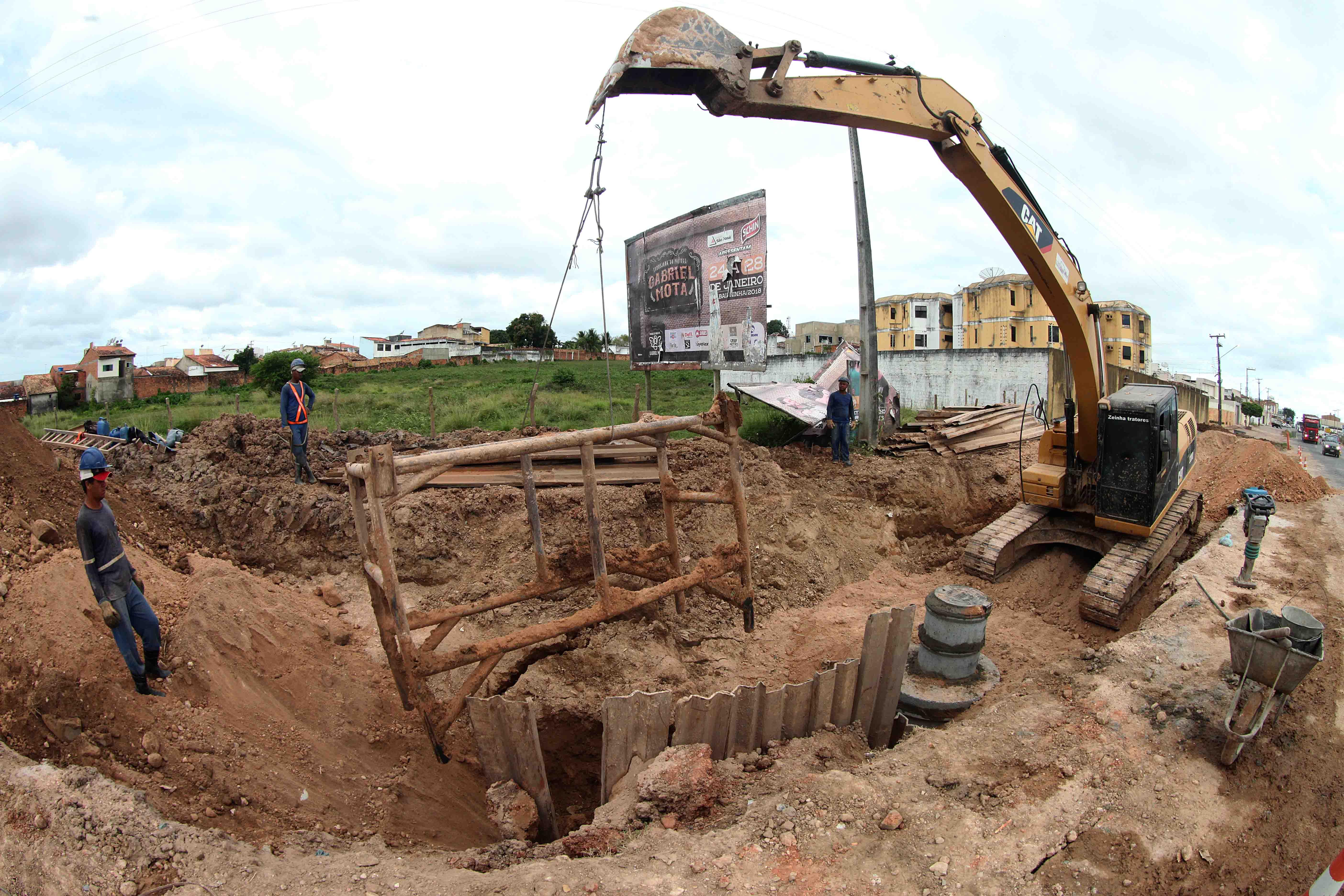 São mais de R$ 180 milhões em obras que vão beneficiar mais de 100 mil moradores da região