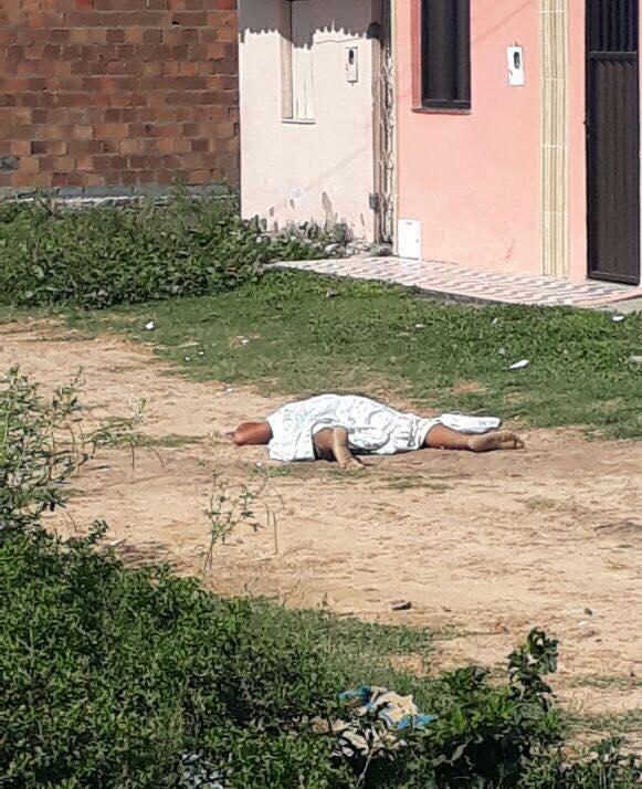 O jovem foi vítima de arma de fogo