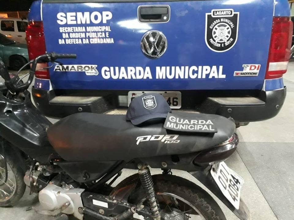 Motocicleta recuperada em Lagarto (Foto: GML)